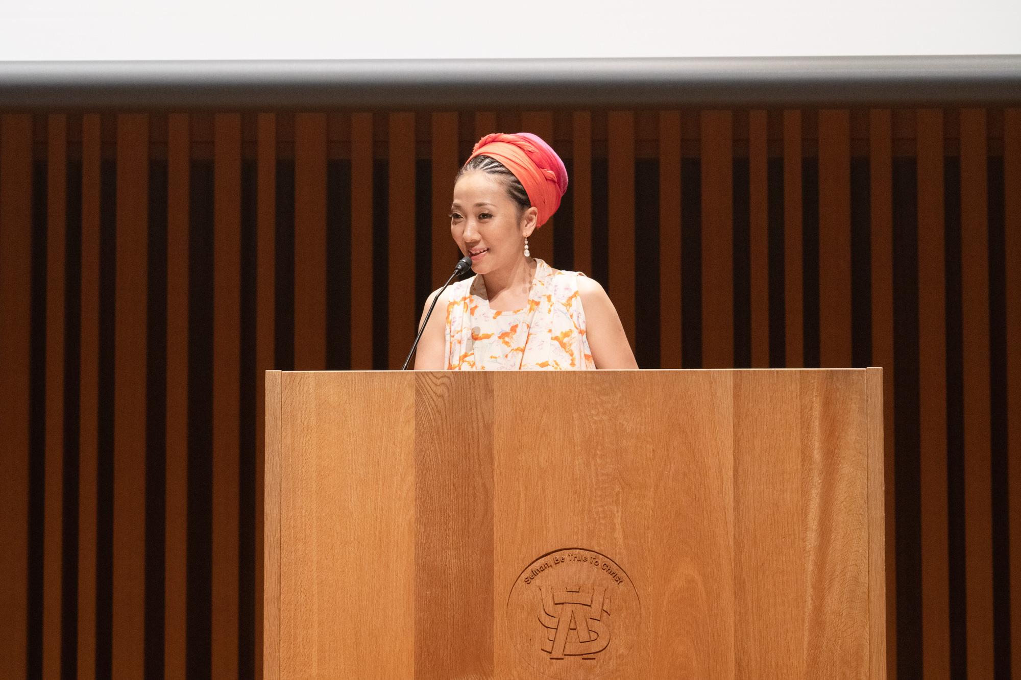 絵本発売日にMISIAが母校の大学で講演会
